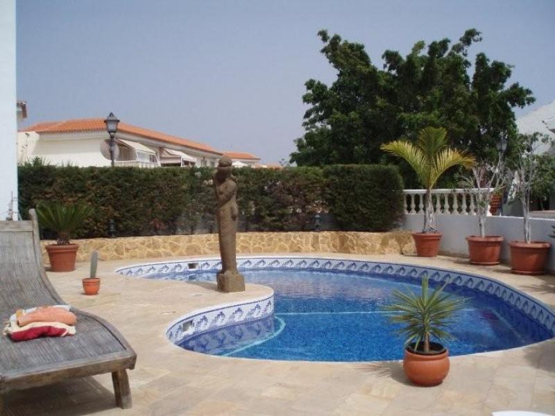 3 schlafzimmer villa immobilien zu verkaufen chayofa teneriffa 449 950 preislich reduziert. Black Bedroom Furniture Sets. Home Design Ideas