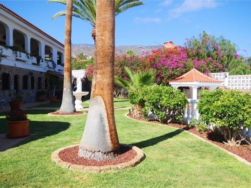 11: 8 bedroom House property for sale in Callao Salvaje, Tenerife, €2,100,000