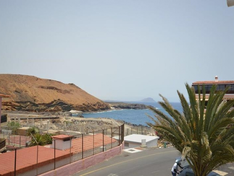 8:  Studio property for sale in Costa del Silencio, Tenerife, €99,000