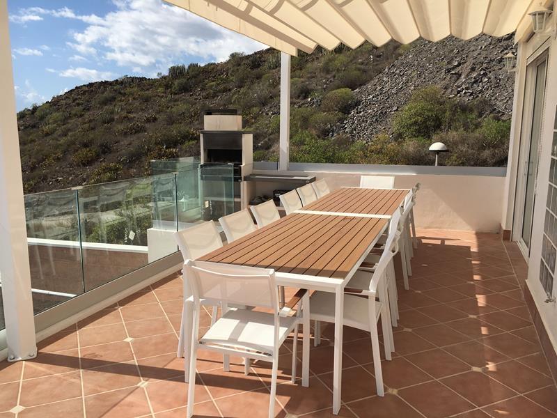 14: 7 bedroom Villa property for sale in Torviscas Alto, Tenerife, €1,950,000