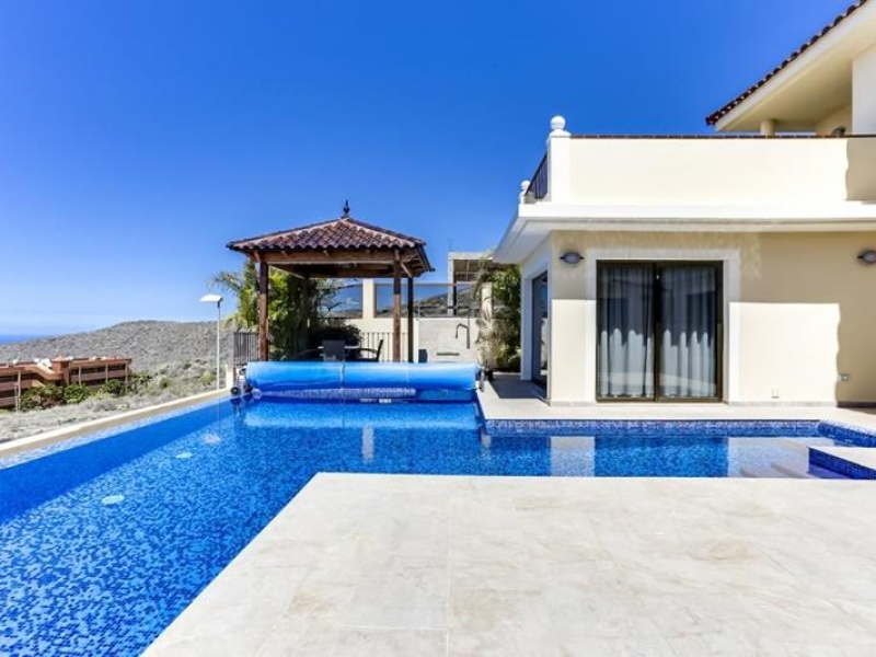 11: 4 bedroom House property for sale in Torviscas Alto, Tenerife, €990,000