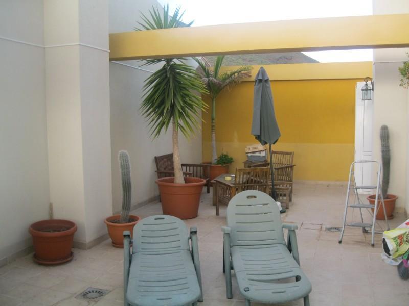 8: 3 bedroom House property for sale in Llano del Camello, Tenerife, €160,000