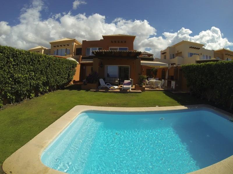 6: 3 bedroom Villa property for sale in La Caleta, Tenerife, €800,000