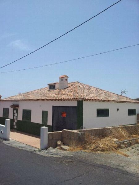 1: 3 bedroom Villa property for sale in Vilaflor, Tenerife, €210,000